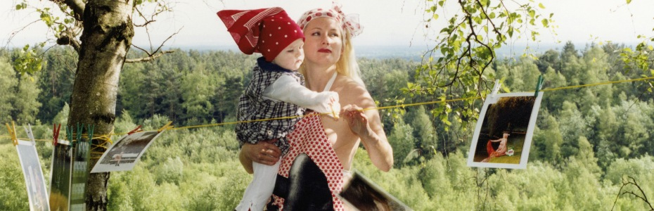 Foto: Katharina Bosse: A Portrait of the Artist as a Young Mother, 2004-2009